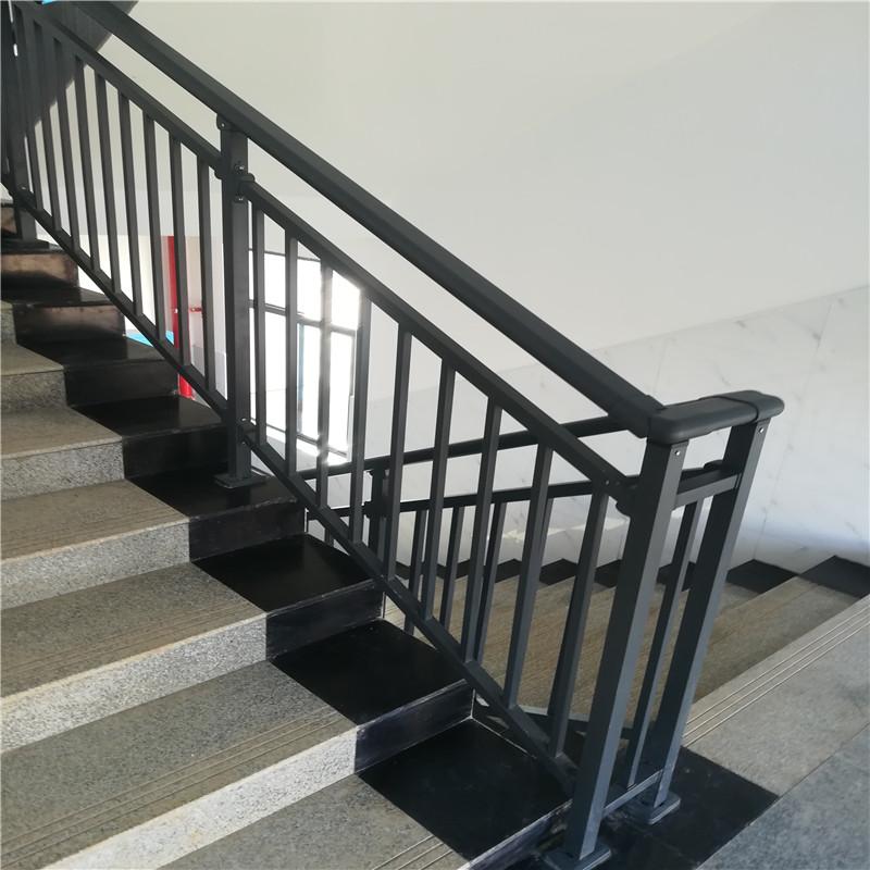 湖南博智建材锌钢楼梯护