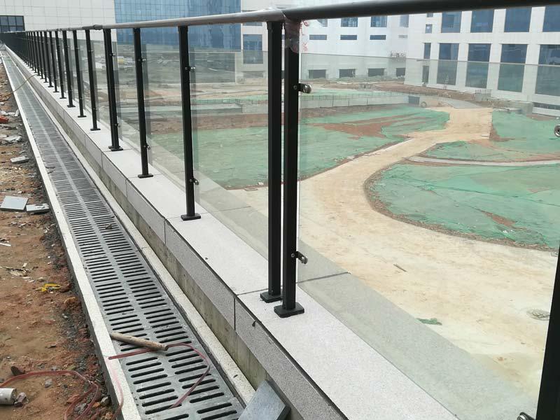 湖南锌钢玻璃护栏